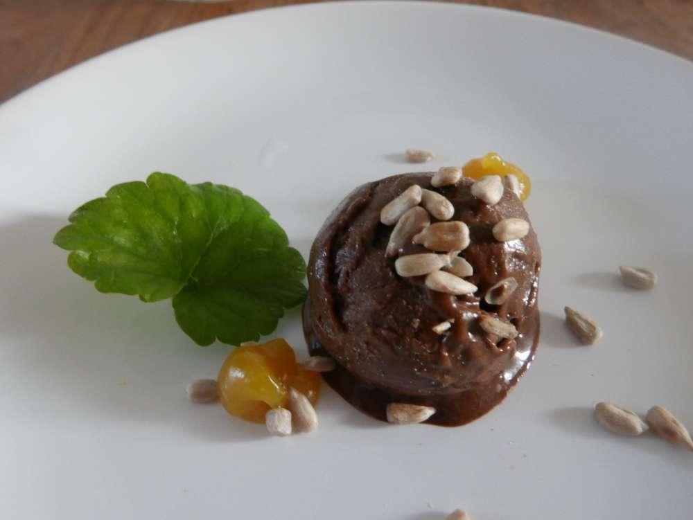 Glace au chocolat et au lierre terrestre