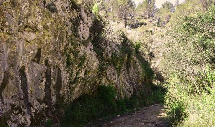 Balade de Simiane Collongue - Canyon (Crédits : Sabine Meneut)