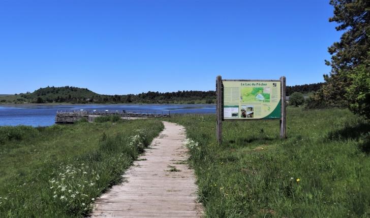 Début sentier lac du Pêcher (Crédit : Laura Azzolina_NS)