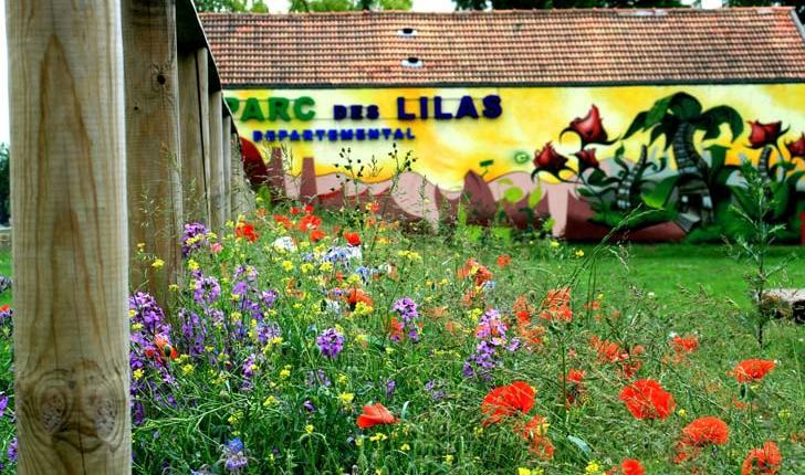 Bâtiment-d'accueil-du-Parc-des-Lilas-ancienne-Plâtrerie-crédit-cecile-veyrunes