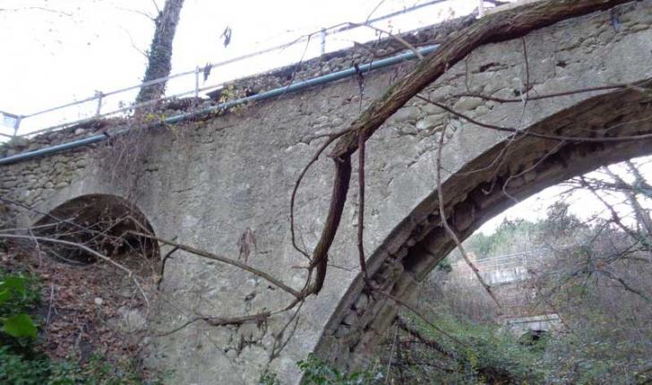 Canal-de-château-aqueduc-crédit-credit-Corraro-Luigi