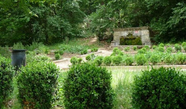 Fontaine de Fontclaire - crédit Corraro Luigi